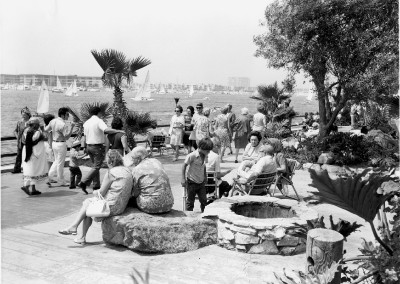 Fishermans Village promanade at Pieces of Eight Restaurant cc1970 HM193BW edited