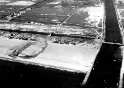 hm124bw-entrance-main-channel-location-aerial-1958-1
