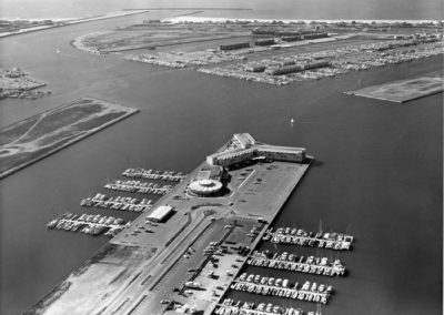 hm098bw-aerial-mdr-hotel-and-marina-del-rey-1964