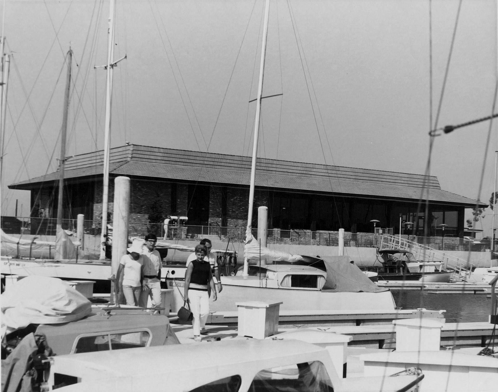 hm236bw-charthouse-resaurant-panay-wayc-basin-1967
