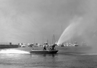 hm259bw-mdr-fire-boat-11-65
