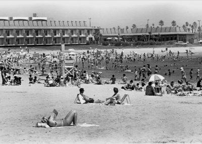 hm315bw-marina-mothers-beach-1968