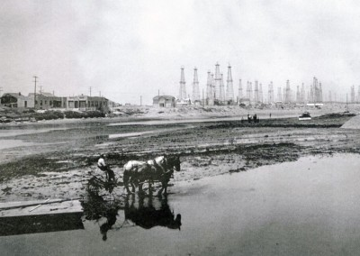 Venice Peninsula Oilfields in the 1930s. Flooded farmlands were tilled to promote drainage and grow crops.