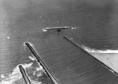 1964 Construction of MdR breakwater taken in April