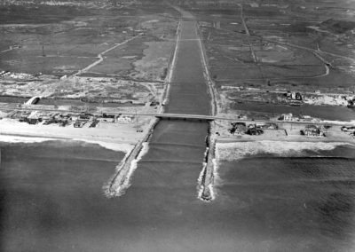 hp196bw-aerial-of-ballona-creek-beach-wetlands-10-24-41