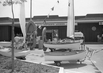 captains-locker-waterfront-center-1-69